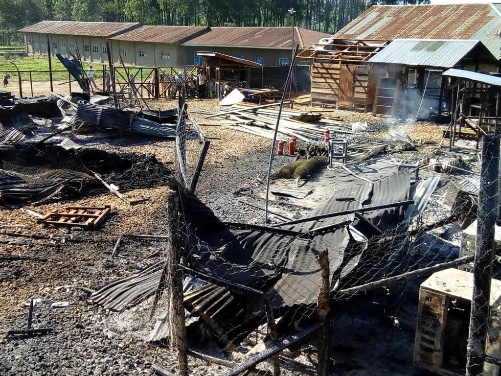 Le Centre de Traitement d'Ebola treatment à Katwa, au Nord Est de la RD Congo incendié