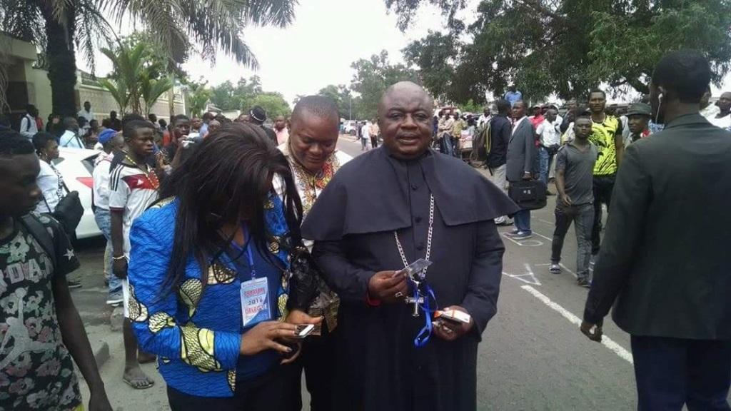 Image avant conclave du rassemblement