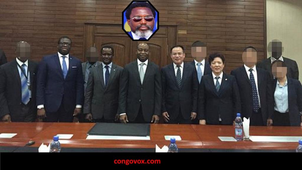 En mars 2016, une délégation du Taihe Group s'est réunie avec des cadres haut placés de la banque centrale : Francis Selemani Mtwale (quatrième en partant de la gauche) et Moustapha Massudi (deuxième den partant de la gauche). Photo : Communiqué de presse du Taihe Group, 24 mars 2016.
