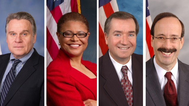Les representants Chris Smith, Karen Bass, Edward Royce et Eliot Engel