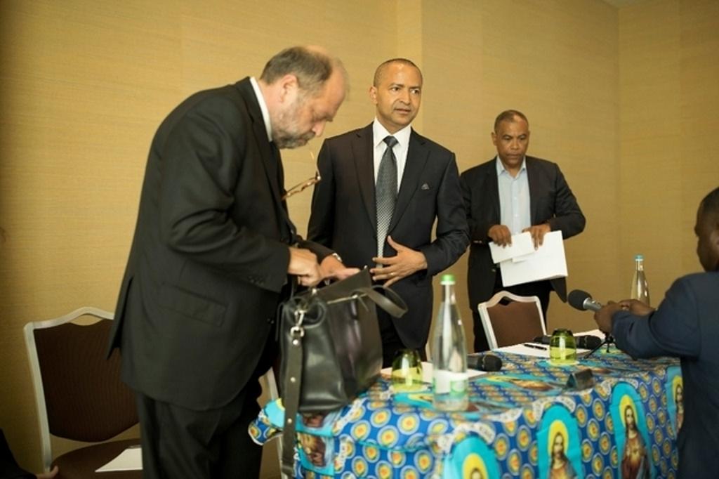 Me Eric Dupond-Moretti et son client, Moïse Katumbi, cet après-midi à Genève. Leur plainte vient d'être déposée. Image: George Cabrera