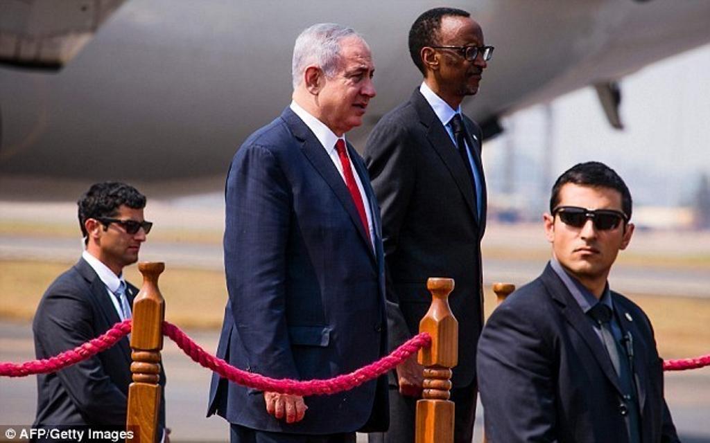Kagamé, debout avec Netanyahu est pire qu'Adolf Hitler. Les Juifs et l'Amérique se soucient-ils?