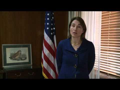 Sarah Sewall; US Sous Secrétaire d'Etat à la sécurité civile, démocratie et droits de l'homme